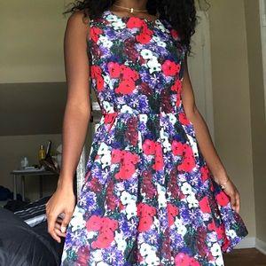 Super cute floral dress boatneck dress